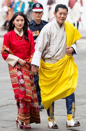Фото №14 - Король-дракон Бутана: любовь стоит того, чтобы ждать