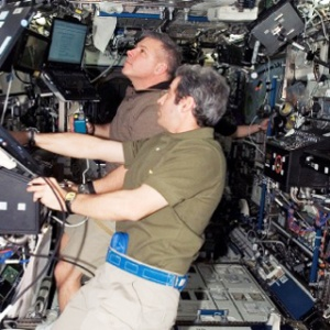 Фото №1 - Endeavour возвращается на Землю