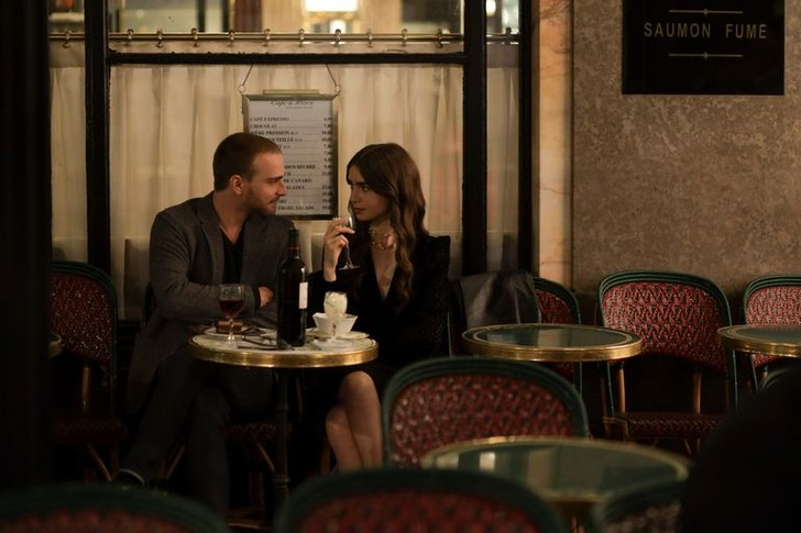 Фото №6 - Кино на выходных: сериал «Эмили в Париже»