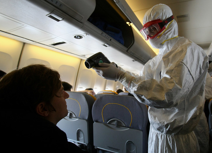 Фото №1 - Какова вероятность заразиться гриппом в самолете