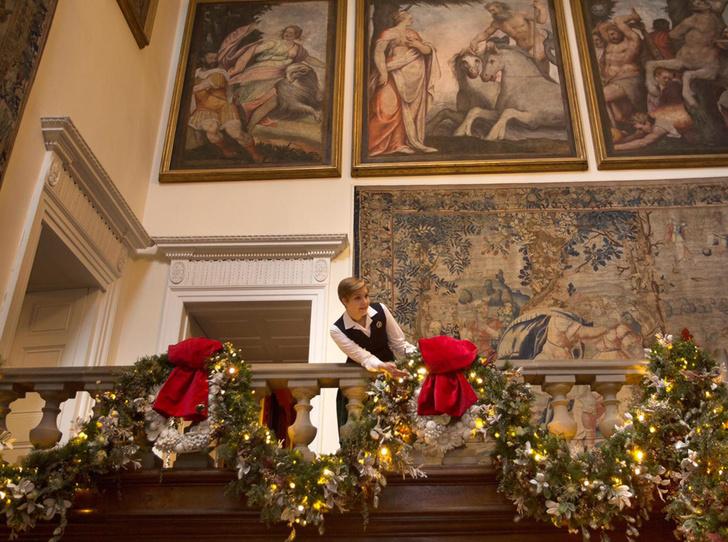 Фото №6 - Праздничное убранство резиденций королей и президентов в ожидании Рождества и Нового года