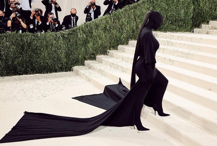 Фото №5 - Что на самом деле значит образ Ким Кардашьян для Met Gala 2021