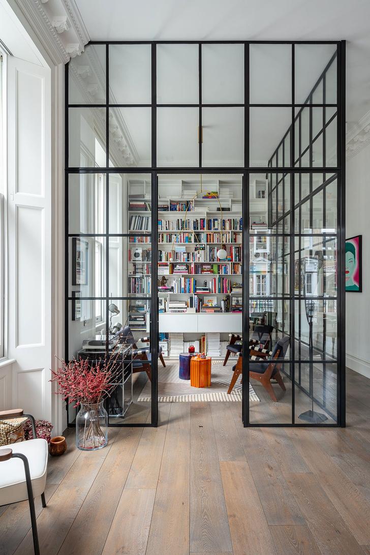 Фото №3 - Квартира с красной лестницей в Лондоне