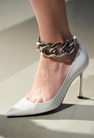 Фото №14 - Самая модная обувь осени и зимы 2020/21