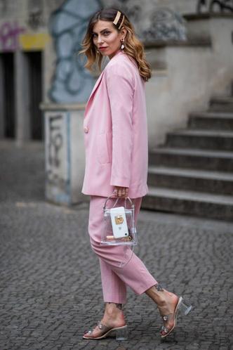 Фото №37 - Свитер и джинсы— это скучно. Лови 40 модных идей, что носить осенью 2021 😎