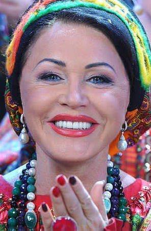 Фото №6 - Что делали с зубами Бузова, Тимати и другие российские звезды: фото до и после