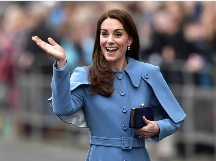 Фото №1 - Сольный выход: почему Кейт чувствует себя спокойнее без Уильяма