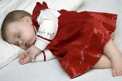 Ребенок плохо спит: как подобрать подушку