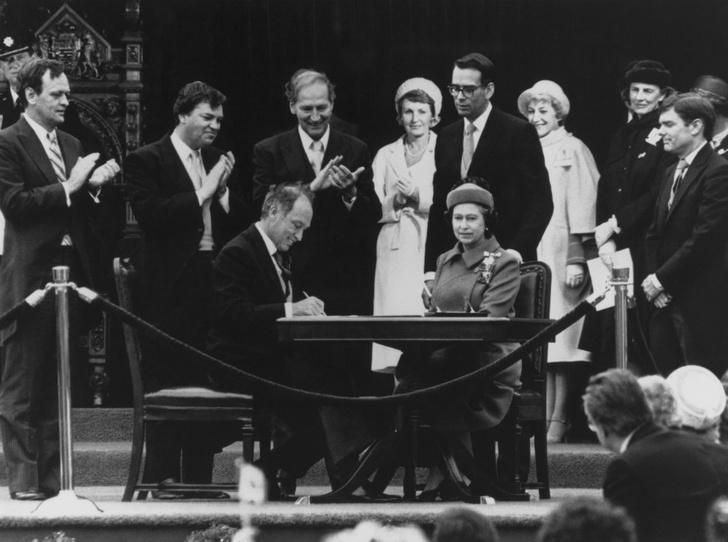 Фото №3 - Шутки Ее Величества: как Королева заставила краснеть премьер-министра Канады Джастина Трюдо