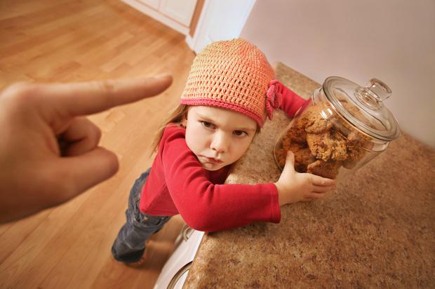 Ребенок берет чужие вещи без спроса что делать