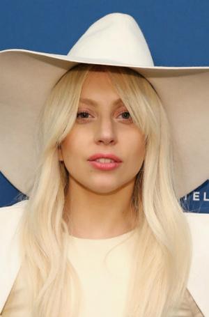 Фото №19 - Как хорошела Леди Гага: все о громких бьюти-экспериментах звезды