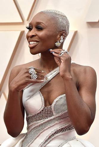 Фото №12 - Драгоценный «Оскар-2020»: самые впечатляющие украшения премии