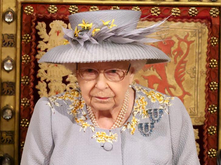 Фото №16 - От брошей до тиар: как королевские особы носят аквамарины