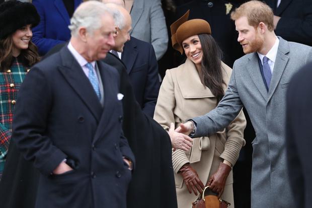 Фото №2 - Принц Гарри лишился благосклонности Елизаветы II