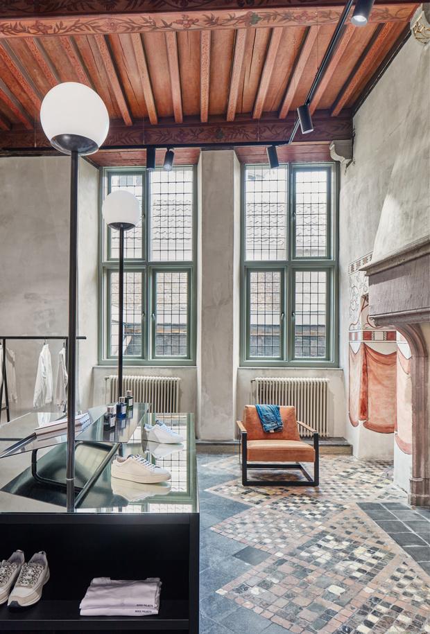 Фото №8 - Магазин одежды в здании XII века в Нидерландах