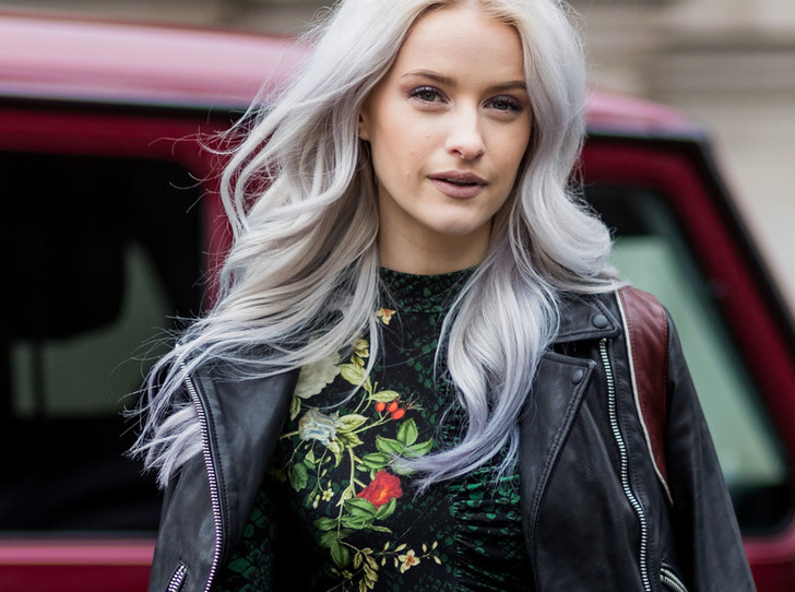 Фото №1 - Бьюти-тренд: разноцветные волосы
