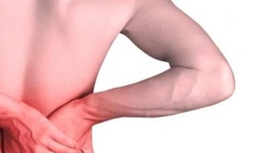 Фото №1 - Почему болит спина?