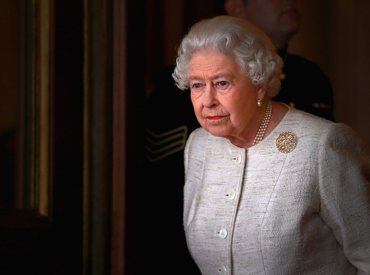Фото №4 - Королева Елизавета II приболела