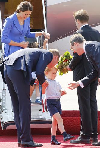 Фото №8 - Материнские инстинкты: в чем Кейт Миддлтон копирует принцессу Диану