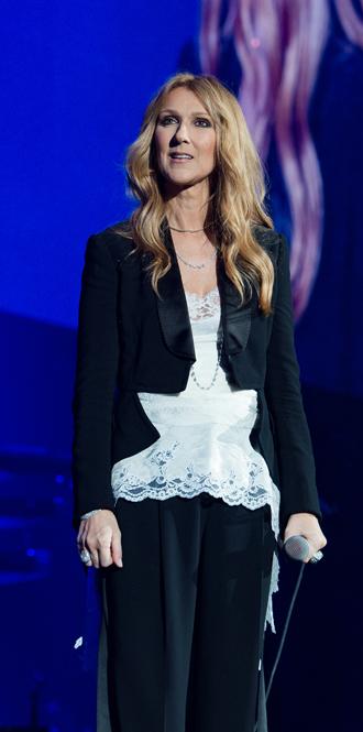 Фото №15 - Модная трансформация Селин Дион: лучшие образы от нового стилиста певицы