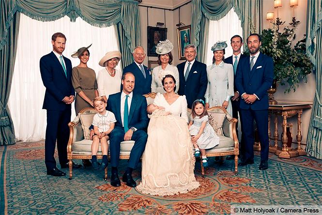 Фото №1 - Просто «ах!»: малыши Кембриджи, Кейт, Меган и остальные в официальной фотосессии с крестин