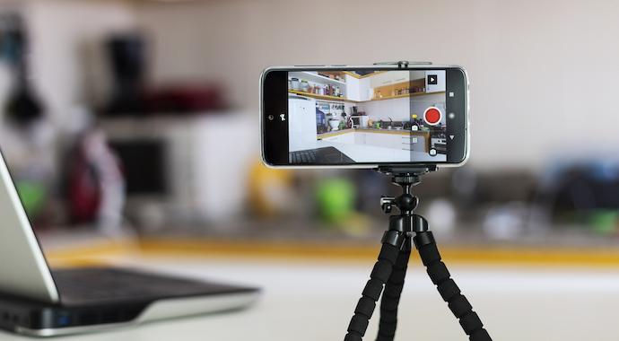Говори «на камеру»: как выступать онлайн и записывать видео без нервов