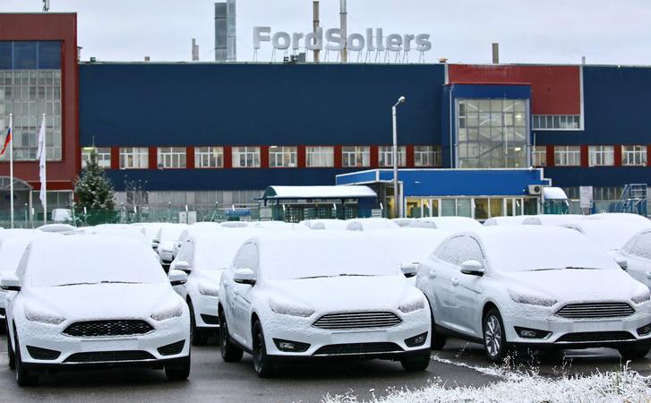 Фото №8 - За ним стояли в очереди по полгода: «Форд-Фокус», который сделал иномарки доступными