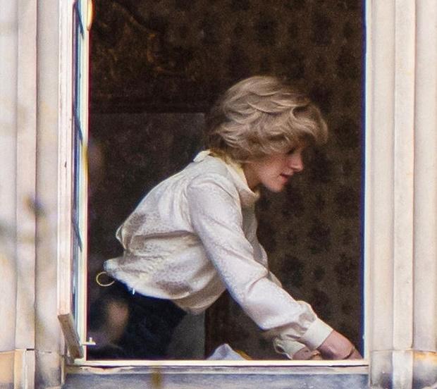 Фото №1 - Просто копия: новые кадры Кристен Стюарт в роли принцессы Дианы