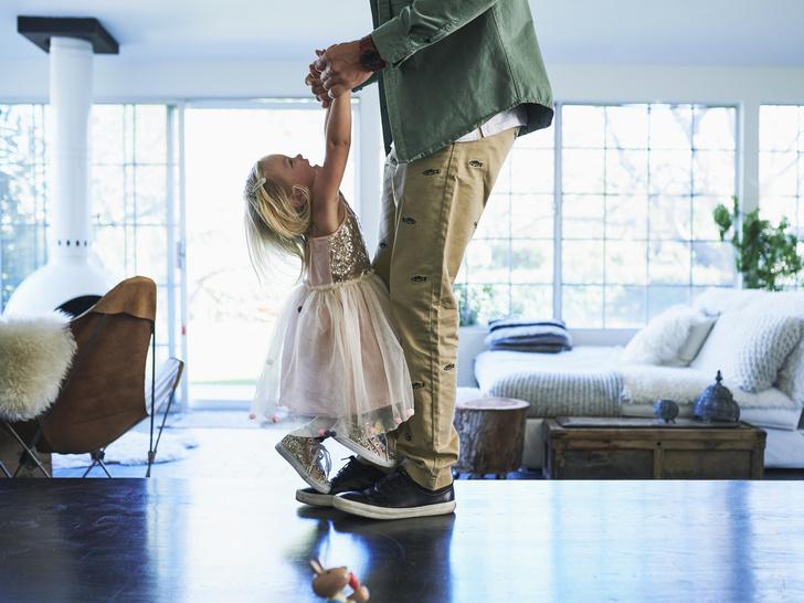 Фото №2 - Папина дочка: что такое комплекс Электры, и как он влияет на выбор мужчин