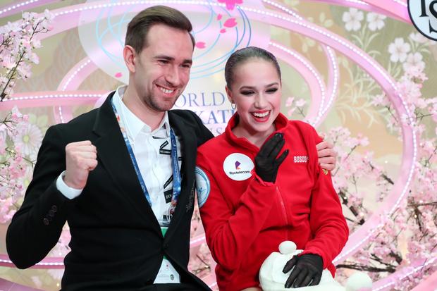 Фото №2 - «Всегда ее ждем»: хореограф Загитовой попросил фанатов не давить на фигуристку
