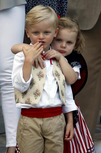 Фото №4 - Принц Жак и принцесса Габриэлла пошли в школу