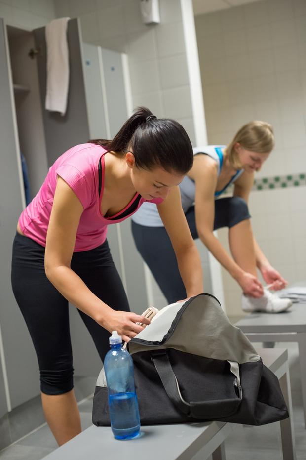 Фото №1 - В спортивной раздевалке легко «подхватить» инфекцию