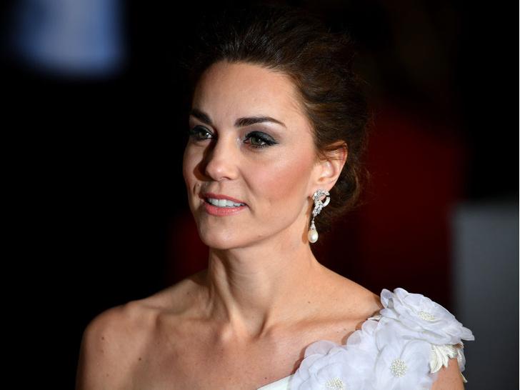 Фото №1 - Не только Кейт: еще две королевские особы, чьи «голые» фото попали в СМИ
