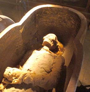 Фото №1 - Мумиям фараонов устроят проверку на подлинность