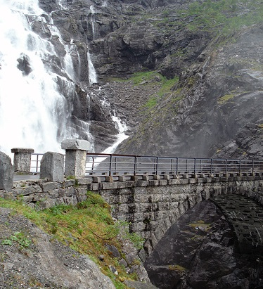 Фото №6 - 15 мест в Норвегии, которые стоит увидеть своими глазами