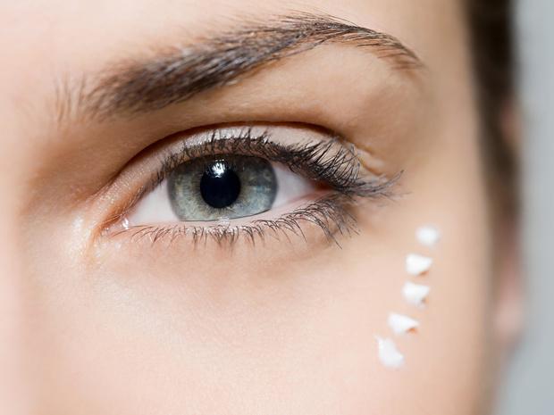Фото №1 - Как выбрать крем для кожи вокруг глаз: 6 главных правил