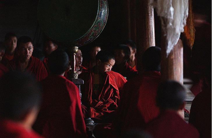 Фото №2 - Тайны дворца просветления: кто, как и зачем создает буддистские мандалы