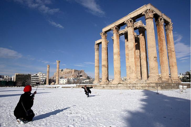 Фото №1 - Снег в Афинах