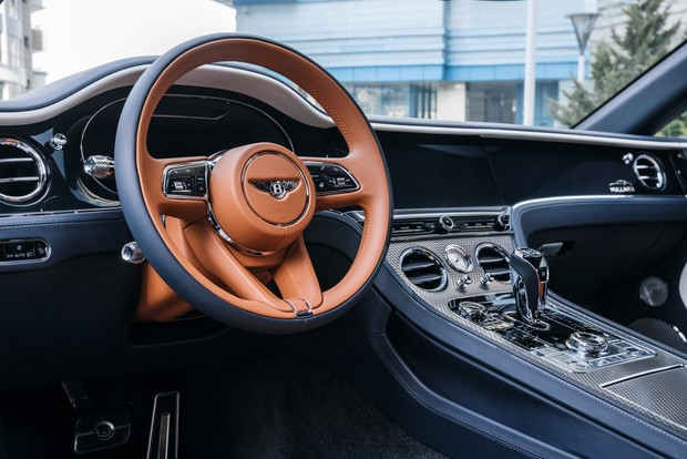 Фото №4 - Bentley представили в России новый Continental GT Mulliner
