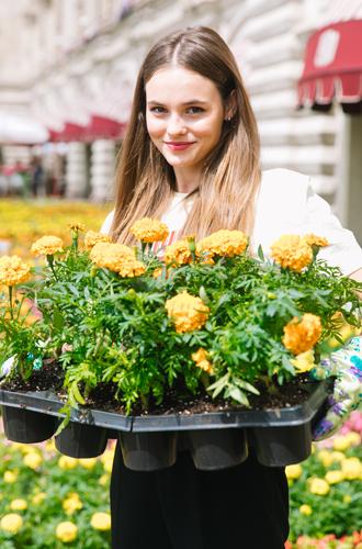Фото №6 - Настроение лета: открылся традиционный фестиваль цветов в ГУМе