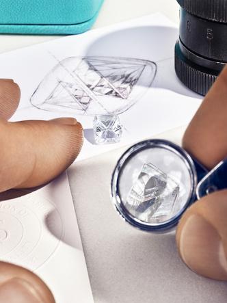 Фото №4 - «Бриллианты Тиффани»: что нужно знать о новой выставке бренда в ГУМе