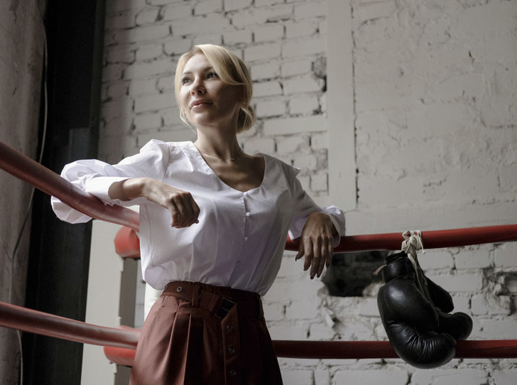 Фото №3 - Сложный разговор: как побороть домашнее насилие и защитить себя финансово?