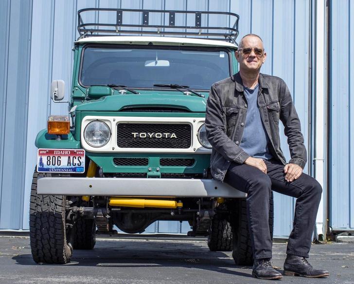 Фото №1 - Внедорожный Toyota Land Cruiser Тома Хэнкса пустят с молотка
