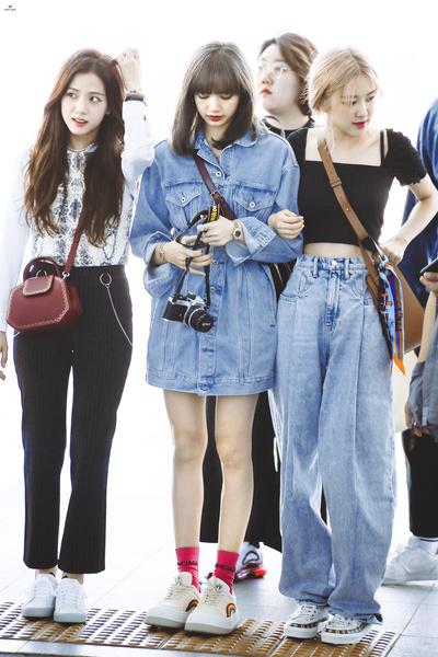 Фото №4 - Idol Style: 5 крутых идей для летнего гардероба от Лисы из BLACKPINK