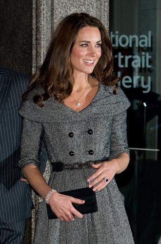 Фото №17 - Королевский дресс-код: любимые сумки герцогини Кембриджской