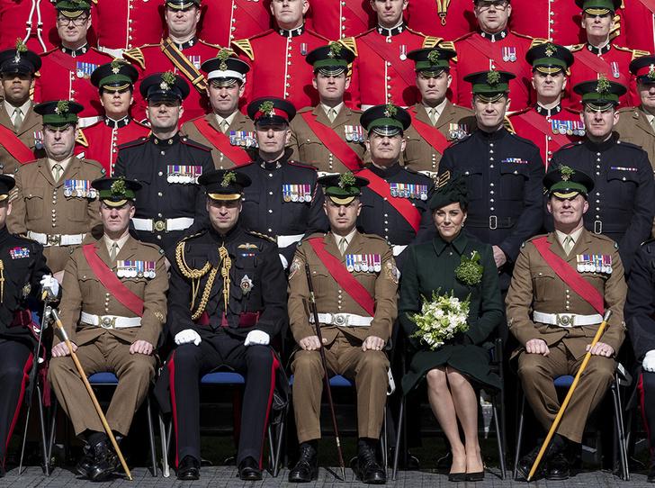 Фото №8 - Герцогиня Кембриджская на параде в честь Дня святого Патрика