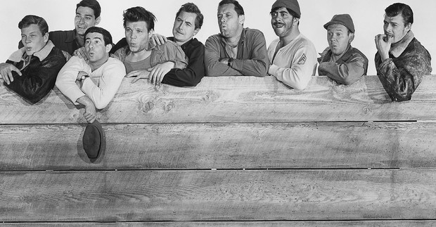Фото №2 - Еще 10 отличных фильмов от создателя «В джазе только девушки»