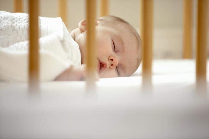 Фото №1 - Почему новорожденный ребенок очень плохо спит днем: отвечает врач
