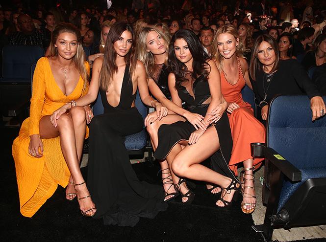 Фото №15 - Подробности церемонии VMA 2015 в Лос-Анджелесе