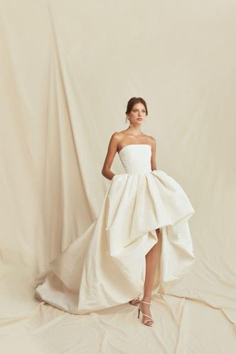 Фото №7 - От классики до экспериментов: 6 главных трендов свадебной моды в 2021 году